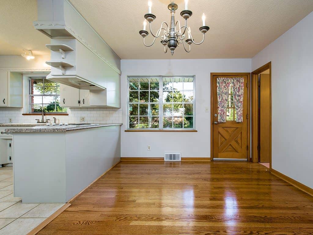 apartment-laminate-flooring